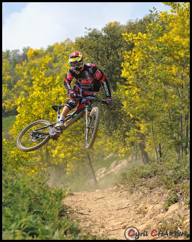 DSC 3291r2-border FULL - Cyril Charpin - Mountain Biking Pictures - Vital MTB