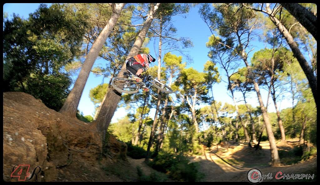 DSC 4955r-border - Cyril Charpin - Mountain Biking Pictures - Vital MTB