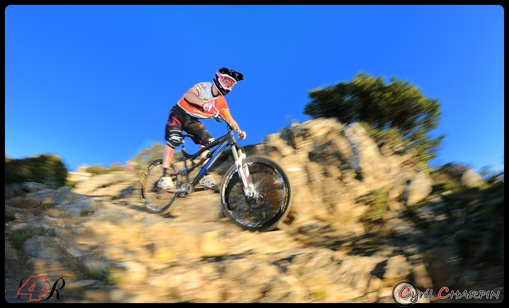 DSC 5130r-border - Cyril Charpin - Mountain Biking Pictures - Vital MTB