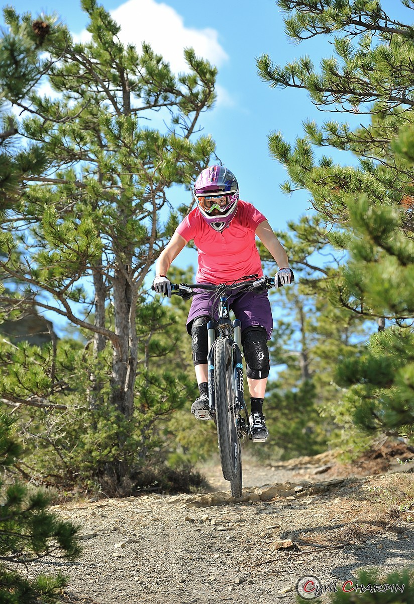 Anais Pajot training - Cyril Charpin - Mountain Biking Pictures - Vital MTB