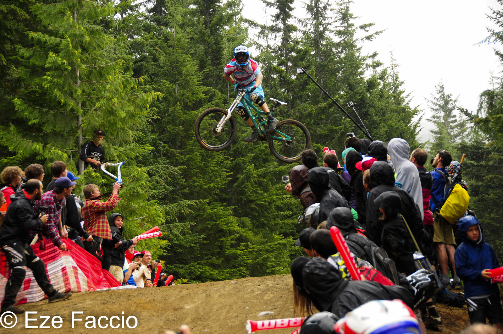Gully Style Whip of the wolrd - ezefaccio - Mountain Biking Pictures - Vital MTB