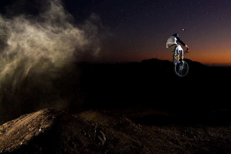 Jumping into Darkness - suspended-productions - Mountain Biking Pictures - Vital MTB