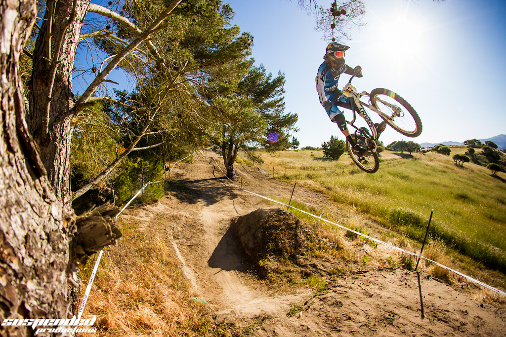 Andrew Neethling Showing Sea Otter How It's Done - suspended-productions - Mountain Biking Pictures - Vital MTB