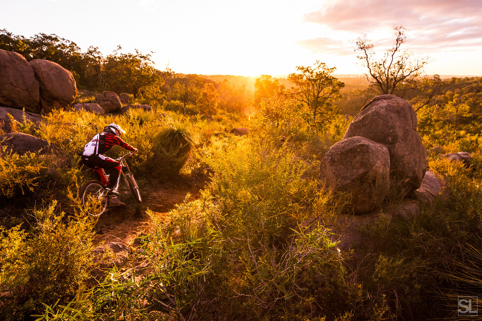 Shredding into the sunset - Chamakazi - Mountain Biking Pictures - Vital MTB