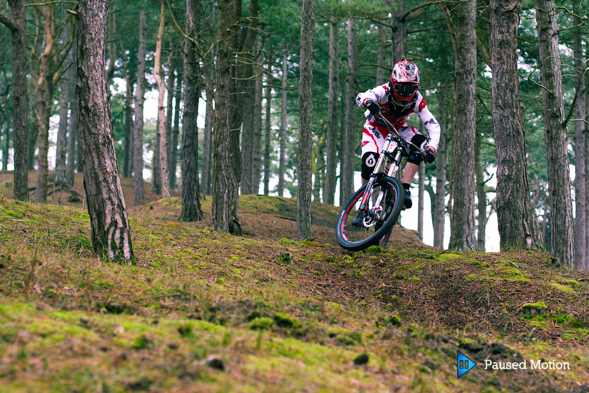 Scrubbing the moss  - Cagphoto - Mountain Biking Pictures - Vital MTB