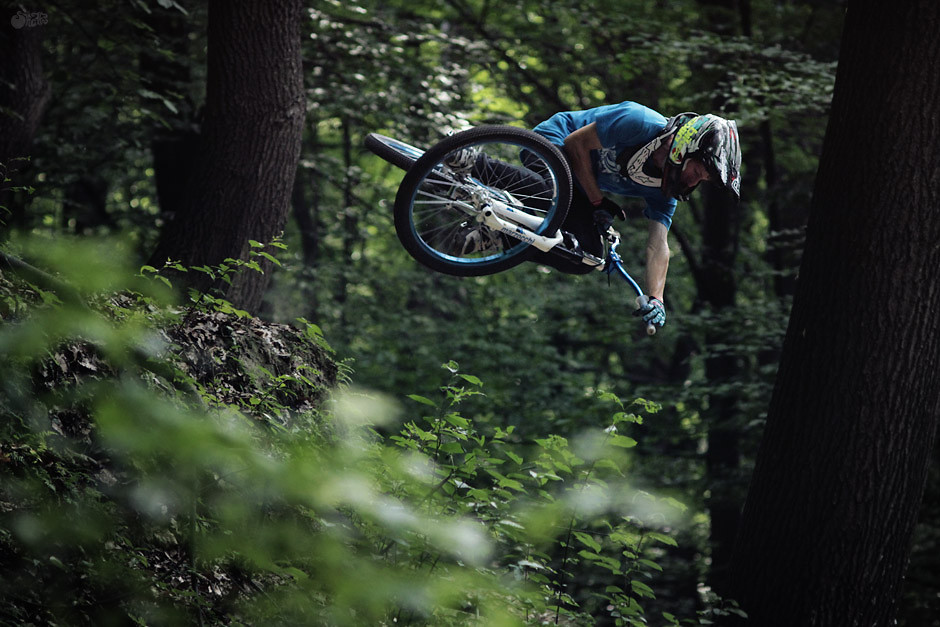 tabletop  - JawsMtb - Mountain Biking Pictures - Vital MTB