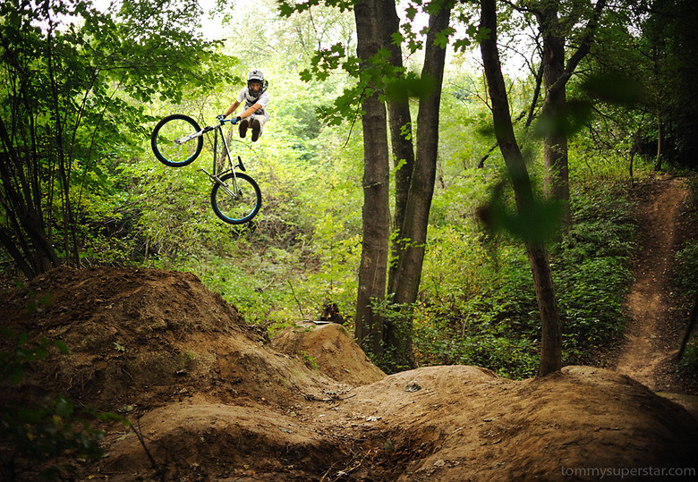 nofootcancan - JawsMtb - Mountain Biking Pictures - Vital MTB