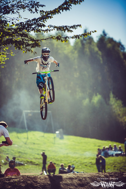 Nohand - JawsMtb - Mountain Biking Pictures - Vital MTB