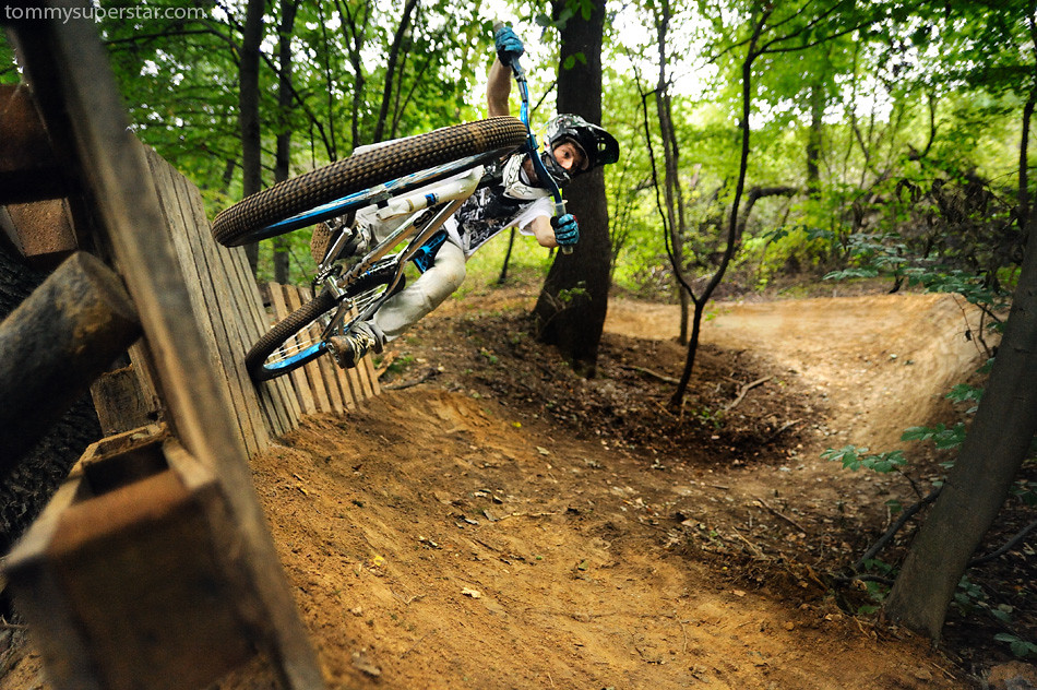 wallride off  - JawsMtb - Mountain Biking Pictures - Vital MTB