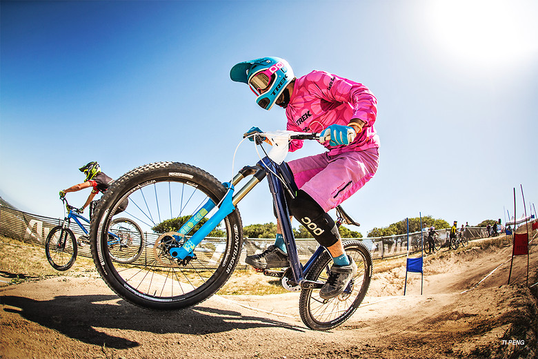 PINK!! - tipeng94 - Mountain Biking Pictures - Vital MTB