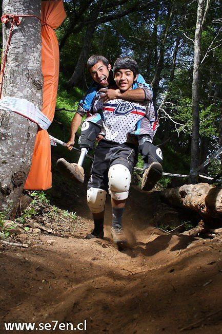 Adolfo Almarza & Ian Rojas - se7en.cl - Mountain Biking Pictures - Vital MTB