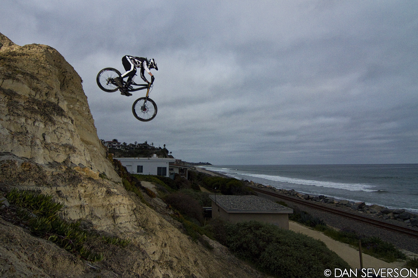 Charlie Harrison tackles the beast - danseverson photo - Mountain Biking Pictures - Vital MTB
