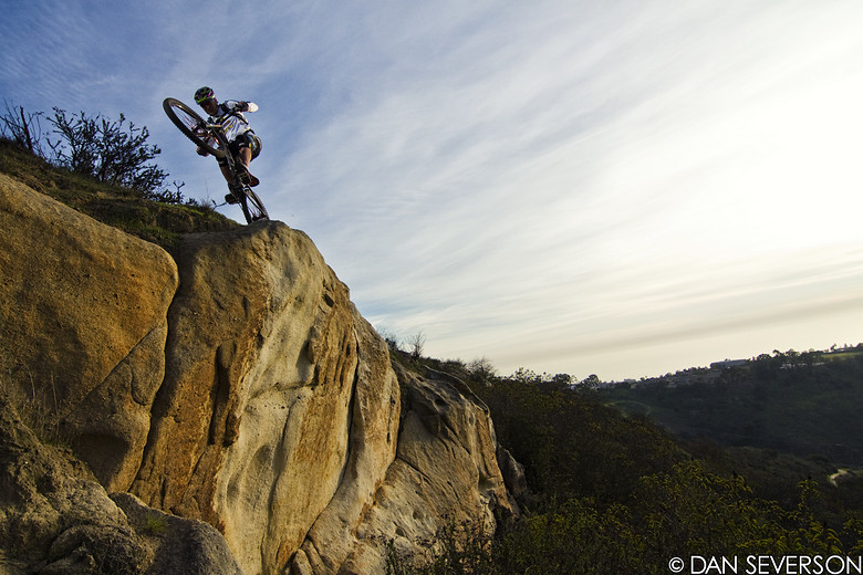 Hans Rey on the edge - danseverson photo - Mountain Biking Pictures - Vital MTB
