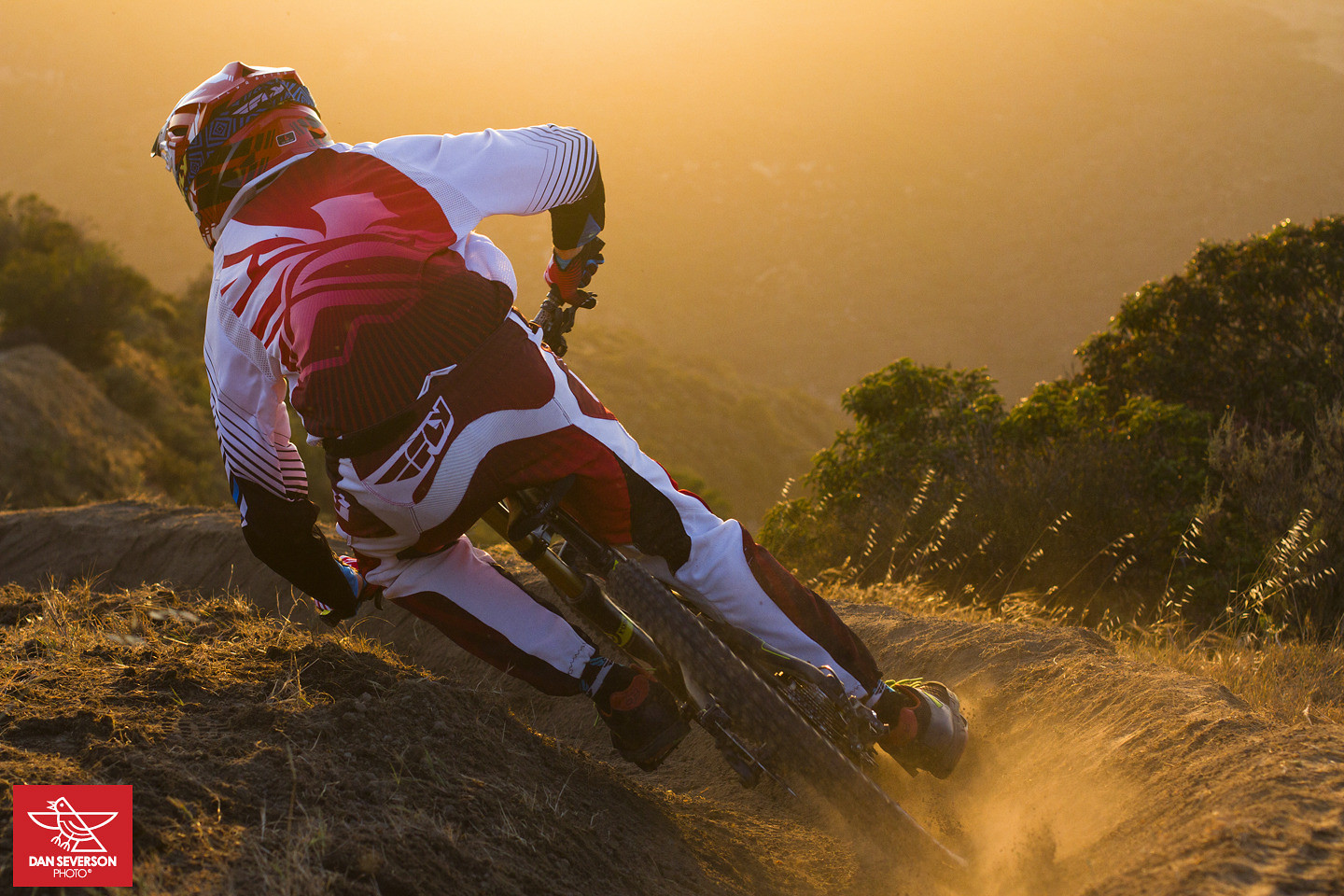 Adam Digby railing turns - danseverson photo - Mountain Biking Pictures - Vital MTB