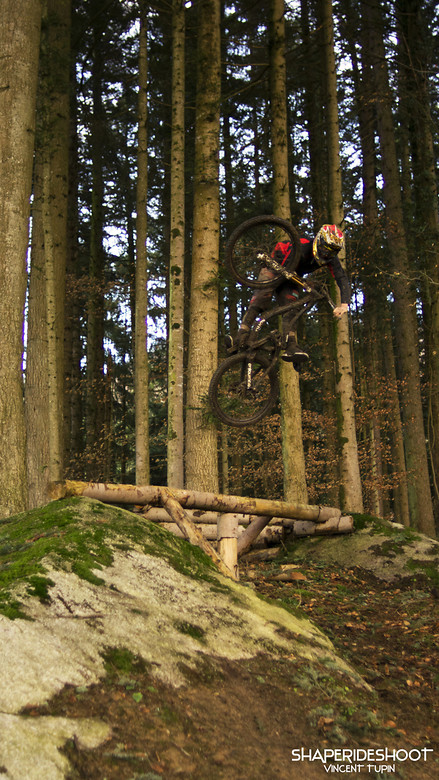 Vincent-tupin-kyle-strait-web - ShapeRideShoot - Mountain Biking Pictures - Vital MTB