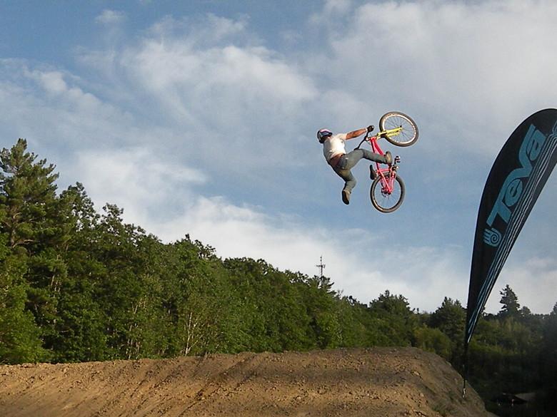 Teva best trick winner  Yannick Granieri - stuntfiend - Mountain Biking Pictures - Vital MTB