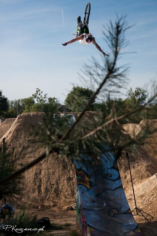 Backflip-oldschool by Bartosz Papież Obukowicz - piotrkaczmarczyk - Mountain Biking Pictures - Vital MTB