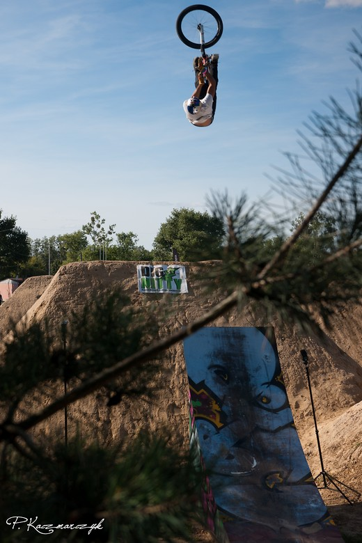 Backflip-barspin by Szaman - piotrkaczmarczyk - Mountain Biking Pictures - Vital MTB