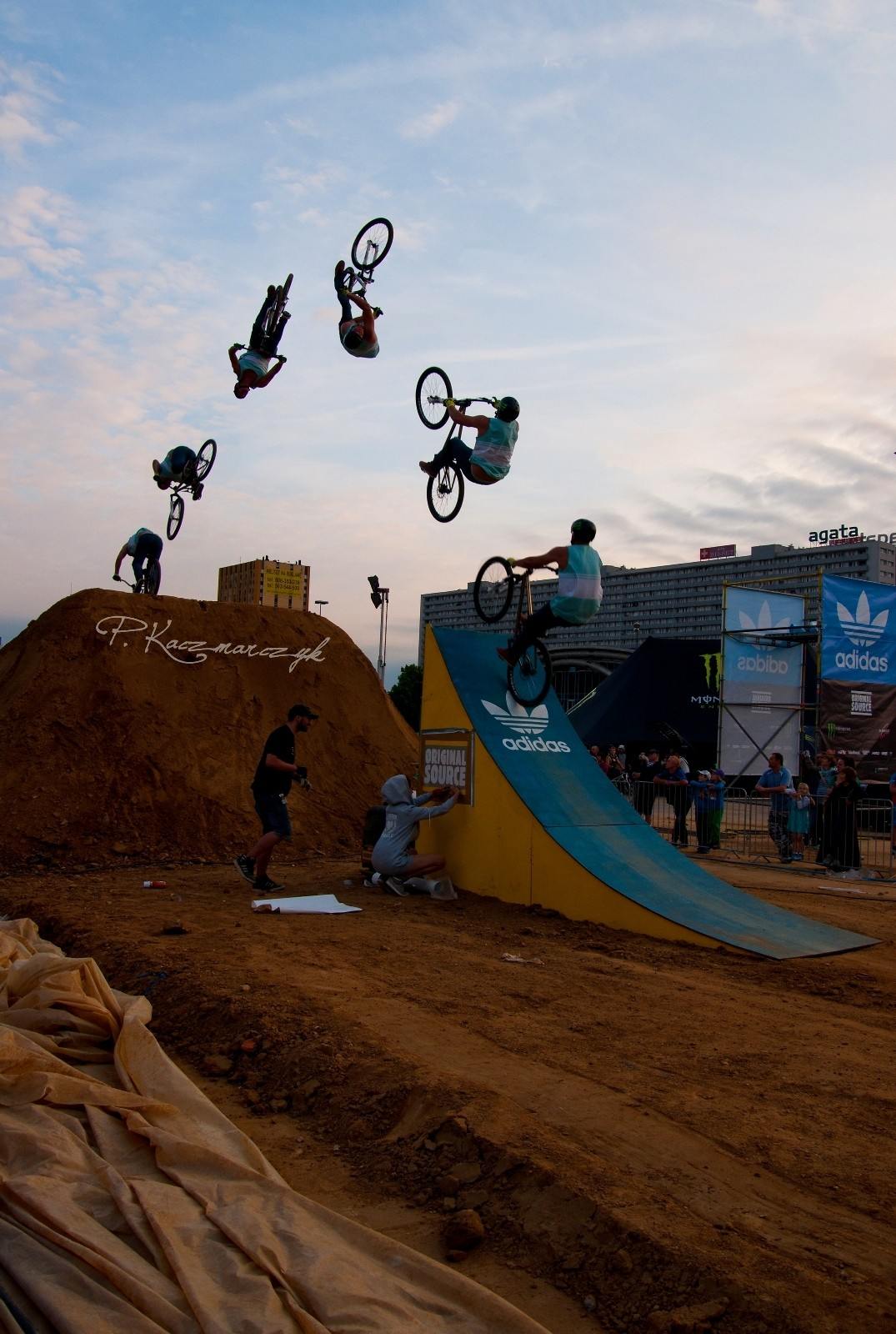 Backflip X-up sequence - piotrkaczmarczyk - Mountain Biking Pictures - Vital MTB