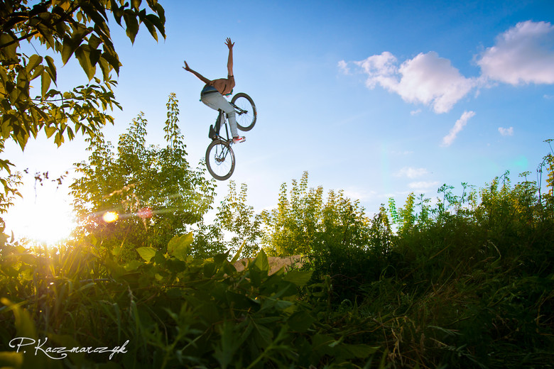 Incredible Old school No Hander !! - piotrkaczmarczyk - Mountain Biking Pictures - Vital MTB