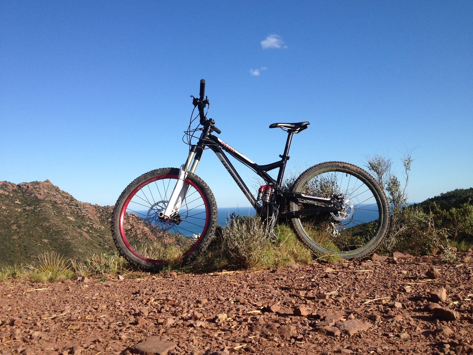 Beach to summit to beach in a couple hours - JoseMPM - Mountain Biking Pictures - Vital MTB