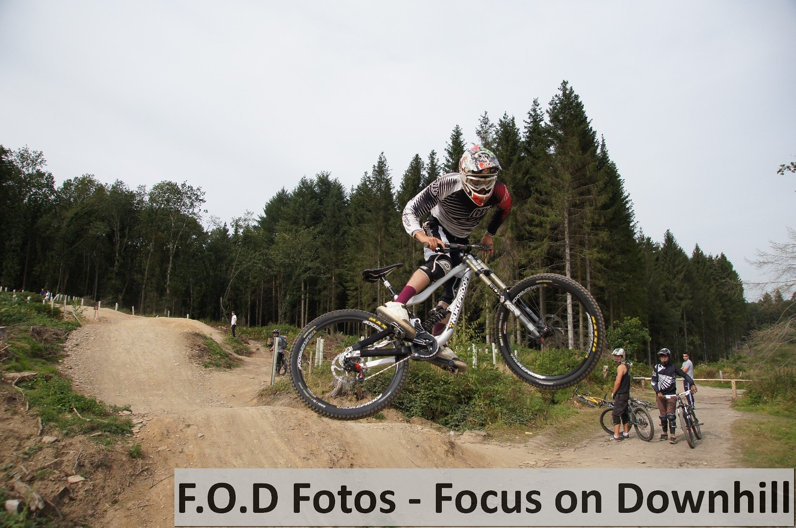 Dan DC Coulson Whip - Fodfotos - Mountain Biking Pictures - Vital MTB
