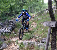 S200x600_amr_riding_rocks_1468263631