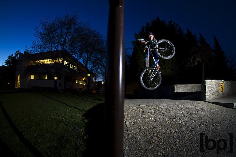Street Buzzin - T-Cliff - Mountain Biking Pictures - Vital MTB
