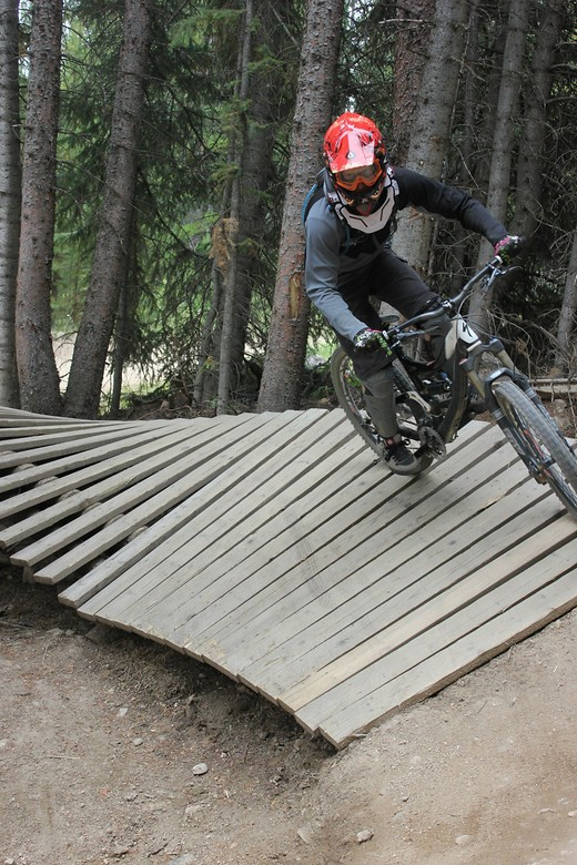 Shred - Huttron - Mountain Biking Pictures - Vital MTB