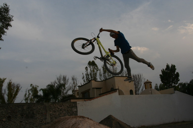 superman seat grab - sebastianj - Mountain Biking Pictures - Vital MTB