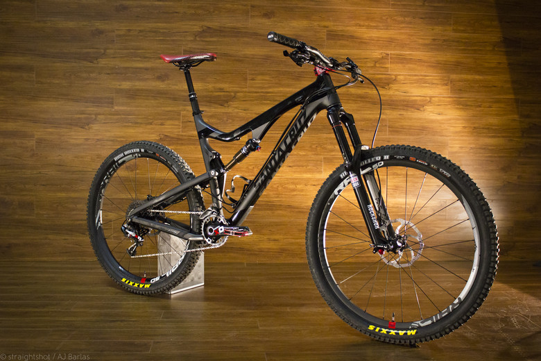 Santa Cruz Bronson Carbon 3/4 - Bronson Darkness - Mountain Biking Pictures - Vital MTB