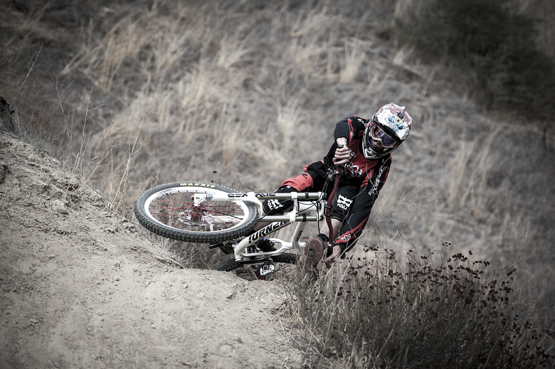 Corey Hatch Scrubbing - LeichtHouse photography - Mountain Biking Pictures - Vital MTB