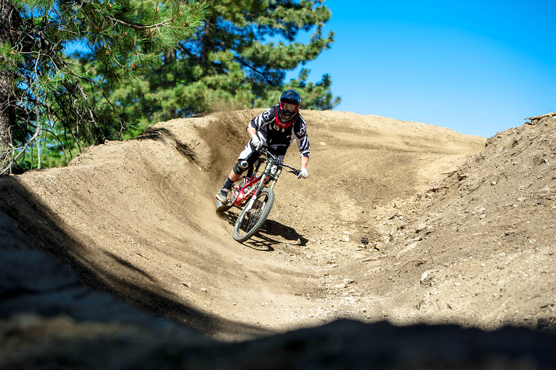 Billy Oncea Slaying the summit - LeichtHouse photography - Mountain Biking Pictures - Vital MTB