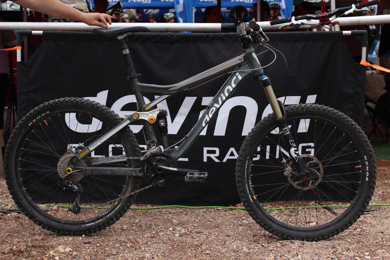 2012 Devinci Dixon - Interbike 2011 Day 2 - Mountain Biking Pictures - Vital MTB