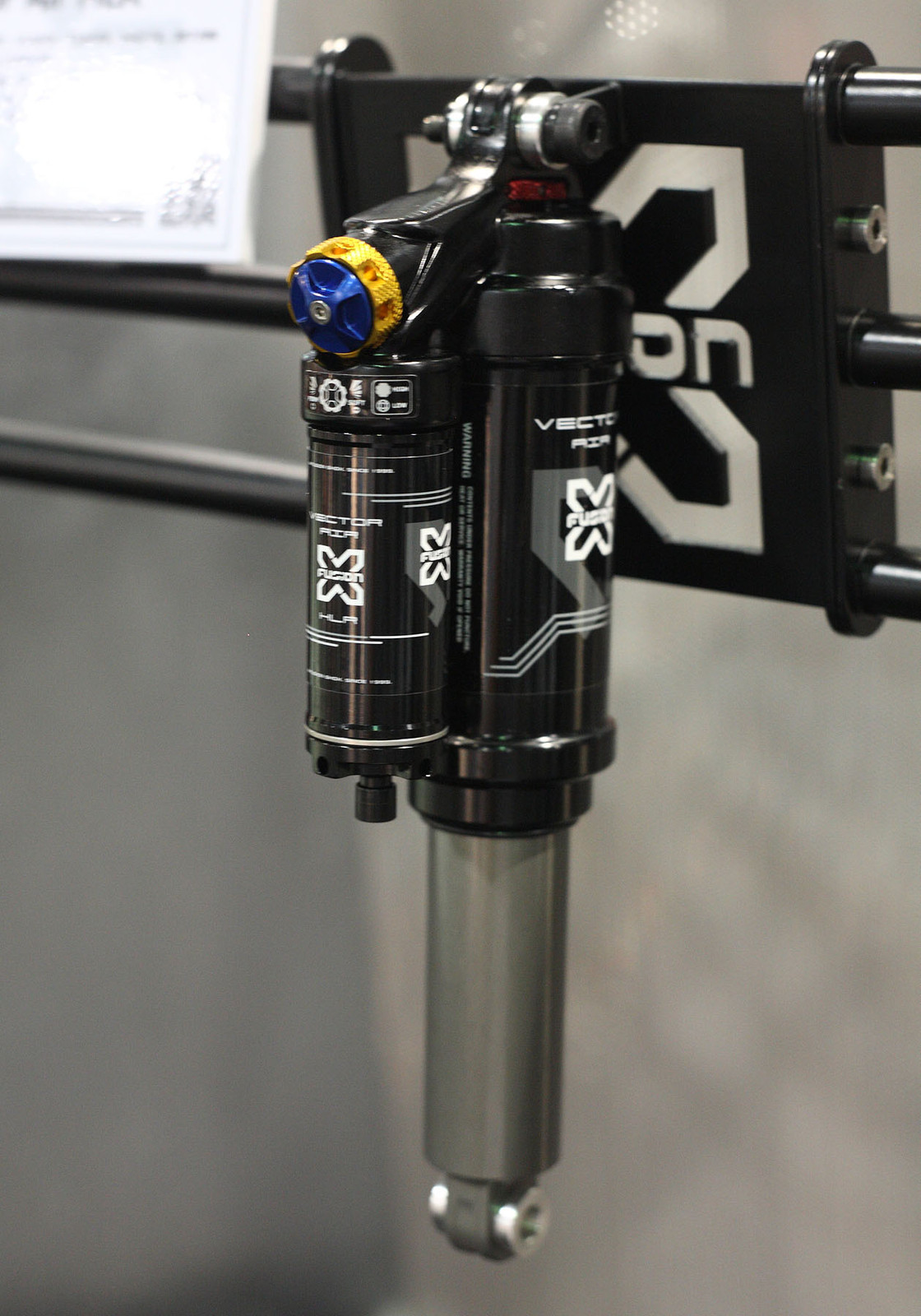 X-Fusion Vector HLR Air Shock - Interbike: X-Fusion Shox - Mountain Biking Pictures - Vital MTB