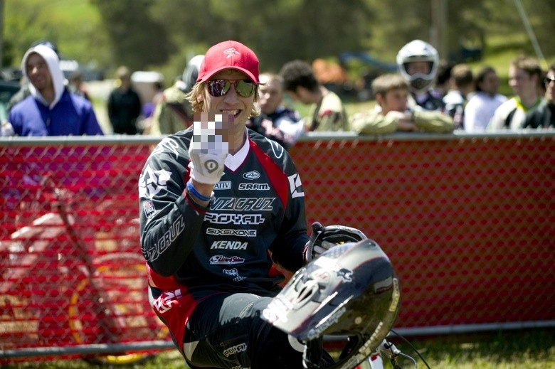 Peaty Salutes You - Sea Otter Classics, 2007 - Mountain Biking Pictures - Vital MTB