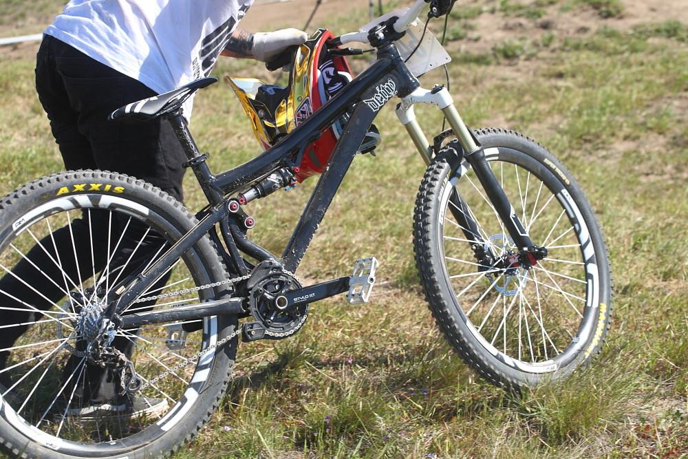 Shaun Palmer's Pivot 4X - Pro Dual Slalom Bikes at Sea Otter 2012 - Mountain Biking Pictures - Vital MTB