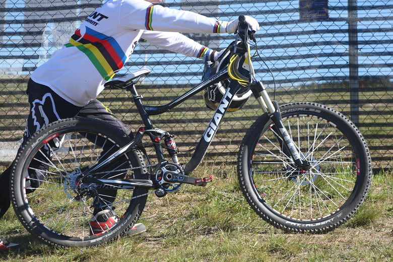 Danny Hart's Giant - Pro Dual Slalom Bikes at Sea Otter 2012 - Mountain Biking Pictures - Vital MTB
