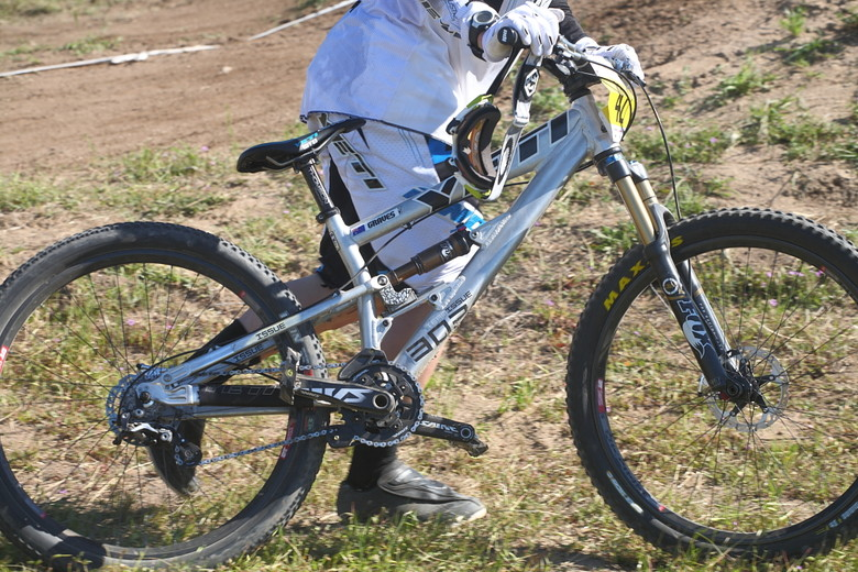 Prototype Yeti Ridden by Jared Graves at 2012 Sea Otter Classic - Jared Graves and Jill Kintner win 2012 Sea Otter Downhill - Mountain Biking Pictures - Vital MTB