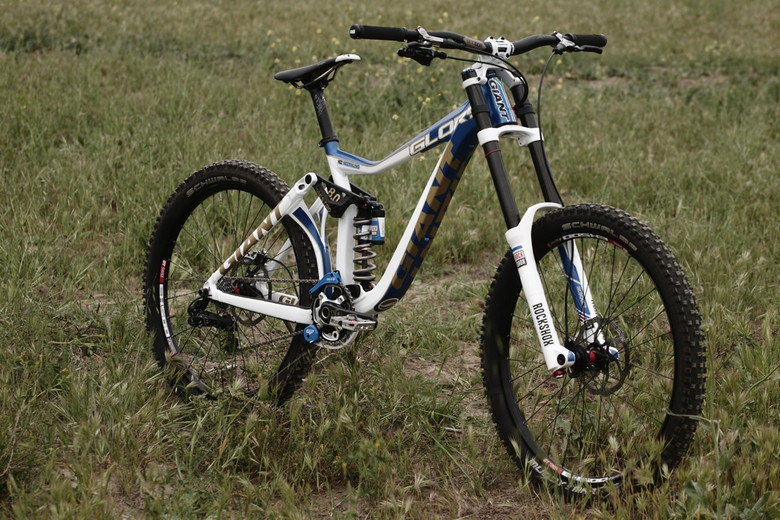 Giant Factory Off-Road Team Downhill Bike - Andrew Neethling's 2012 Giant Glory and Reign Bikes - Mountain Biking Pictures - Vital MTB