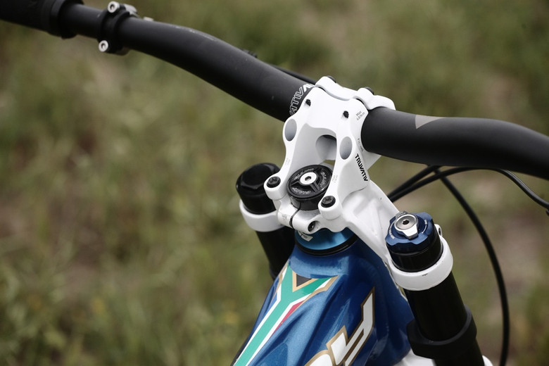Truvativ Direct Mount Stem - Andrew Neethling's 2012 Giant Glory and Reign Bikes - Mountain Biking Pictures - Vital MTB