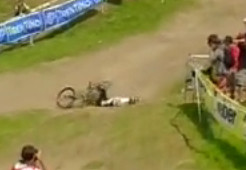 Video: Sam Hill's World Championship Crash at Val di Sole 2008 - History Maker, Val di Sole, Italy - Mountain Biking Pictures - Vital MTB