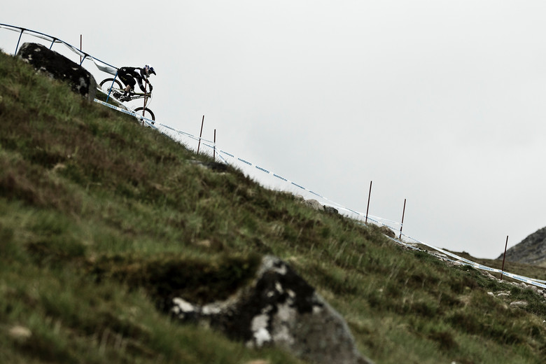 Gee Atherton, Flying at Fort William - 2012 UCI World Cup, Fort WIlliam Scotland, Day 2 - Mountain Biking Pictures - Vital MTB
