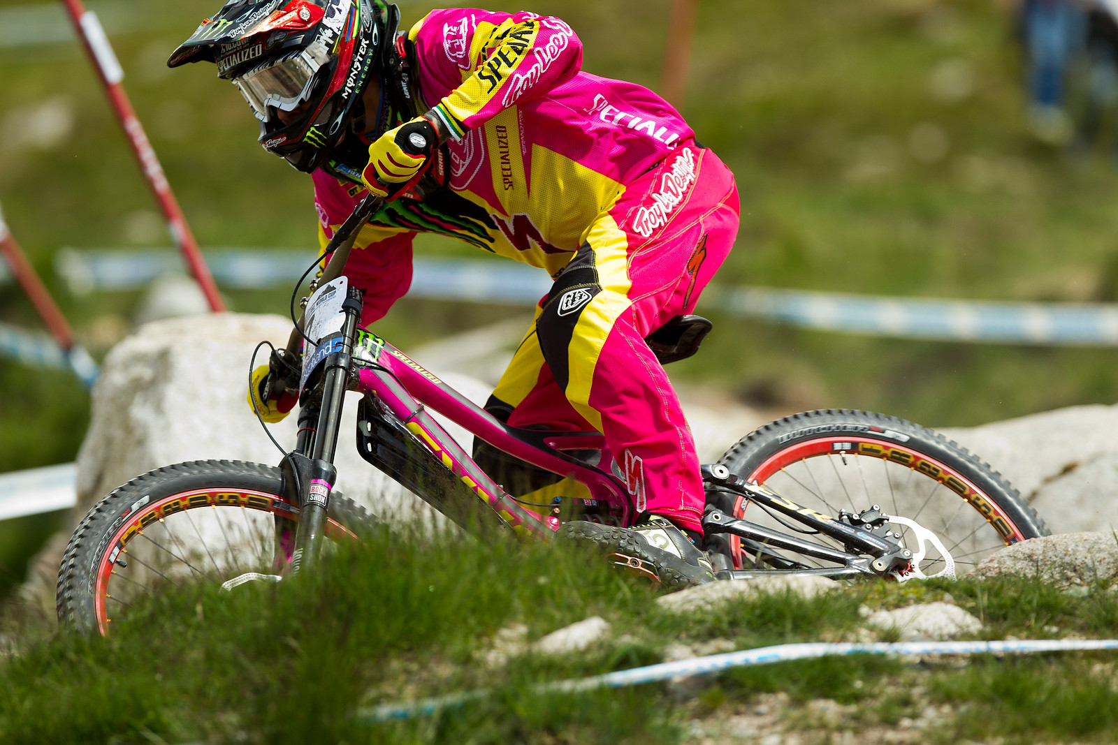 Sam Hill's Pink S-Works Carbon Demo and TLD Kit are up for Auction - 2012 UCI World Cup, Fort WIlliam Scotland, Day 2 - Mountain Biking Pictures - Vital MTB
