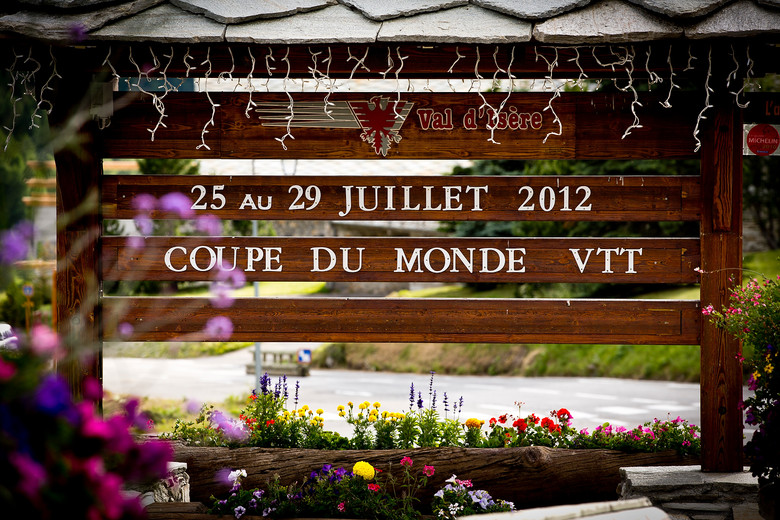 Val d'Isere World Cup Welcome Sign - 2012 UCI World Cup, Val d'Isere, France, Day 1 - Mountain Biking Pictures - Vital MTB