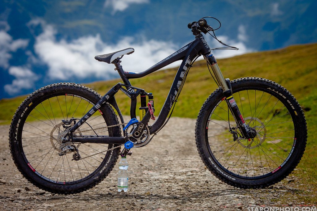 Kurt Sorge's Giant Faith Freeride Bike - Kurt Sorge's Giant Faith Freeride Bike - Mountain Biking Pictures - Vital MTB