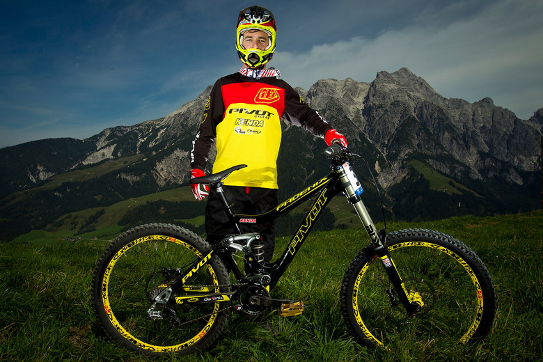 Luke Strobel with his Pivot Phoenix - World Championships Riders and Bikes - Mountain Biking Pictures - Vital MTB