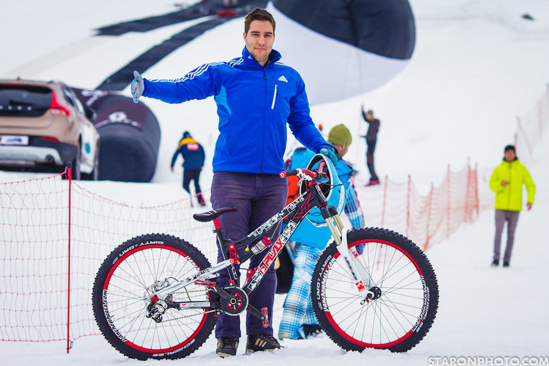 Leitner And His Yt Play Slopestyle Bike 18 Pro Bikes From White