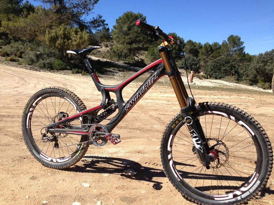 Greg Minnaar's 2013 Santa Cruz V10 Carbon Race Bike  - Mountain Bike Photos You Should See - Mountain Biking Pictures - Vital MTB