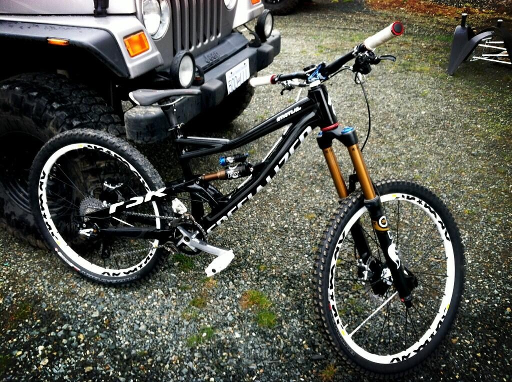 Darren Berrecloth's 2013 Specialized Status Freeride Bike - sspomer - Mountain Biking Pictures - Vital MTB